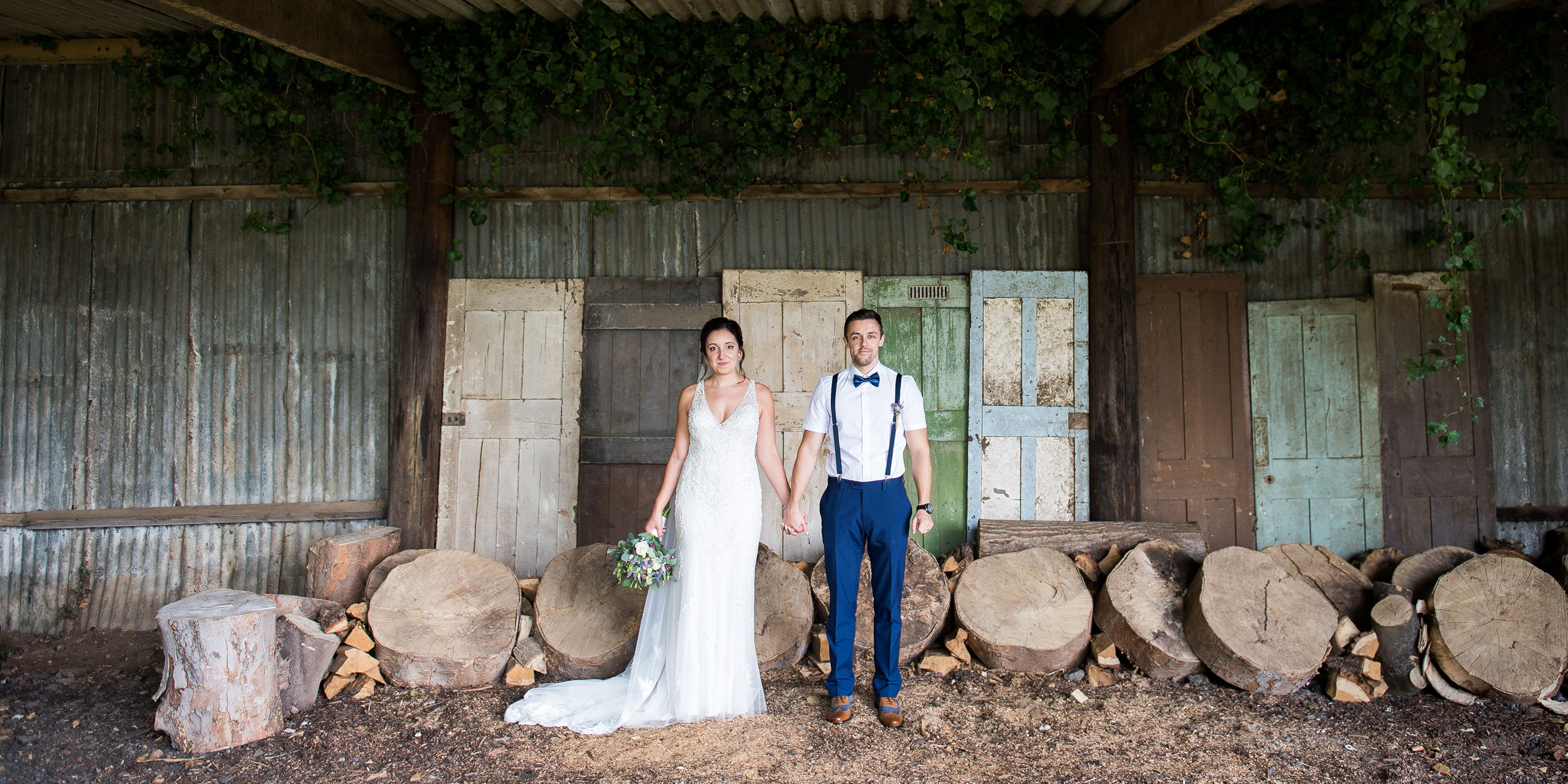 Gorgeousness at the Barns in Hunsbury HIll, Northamptonshire wedding Photographer