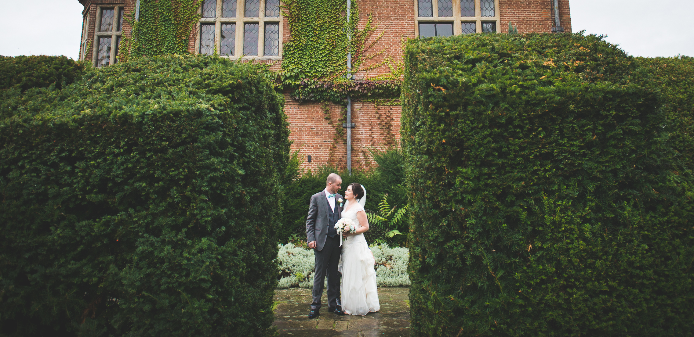 Horwood House Hotel, Bride and Groom, Break in the day, break in the bush, rainy day wedding